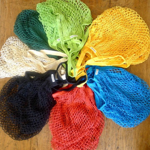 COLOURED STRING BEACH BAGS